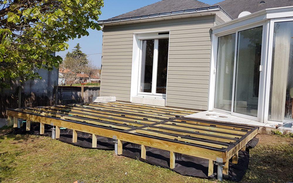 Comment-faire-une-terrasse-bois-sur-pilotis