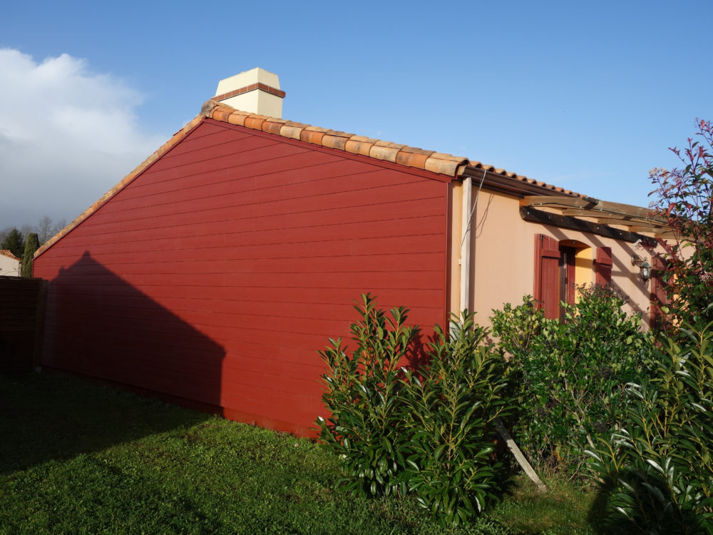 bardage-cedral-rouge